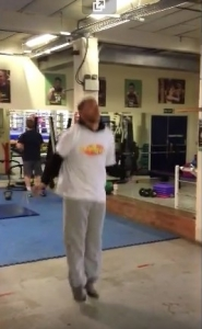 Billy Joe Saunders British and Commonwealth Middleweight Champion does the 2 minute skip2Bfit Championship Challenge